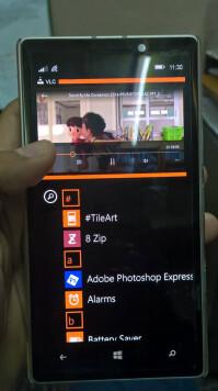 Multi-window-on-Windows-Phone-8.1-Lumia-930-5