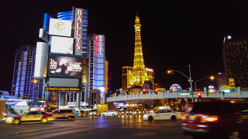Las Vegas strip in Auto mode