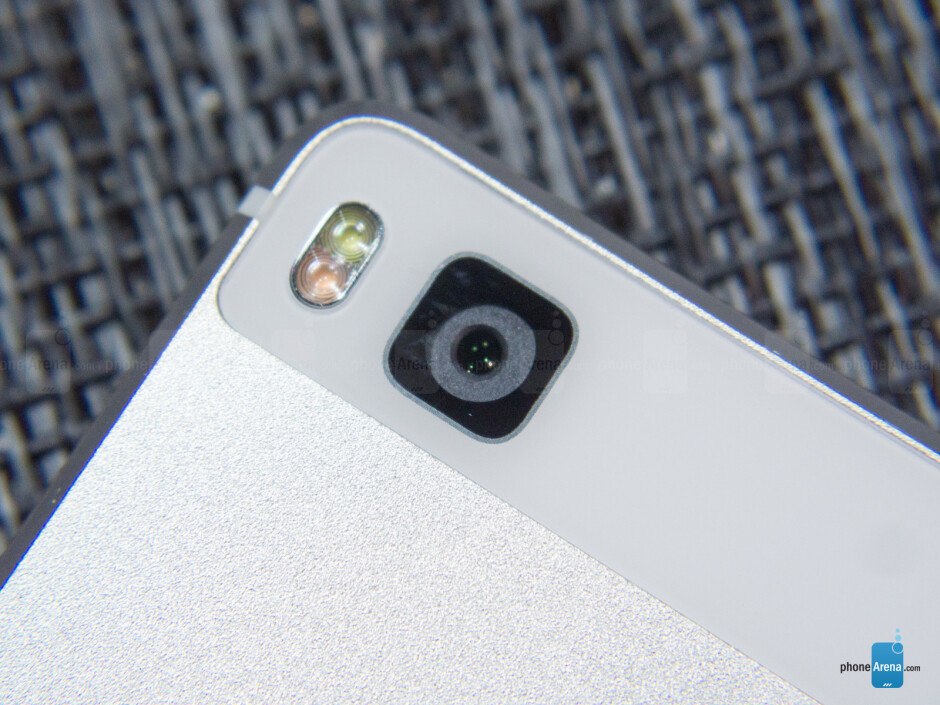 Huawei P8 - bulging cameras are unwelcome. - Evolutionary changes - how 2015's Android flagships pushed innovation without being revolutionary