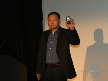 Peter Chou with the HTC Touch Diamond in London