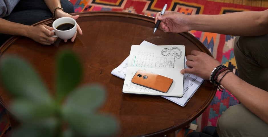 """Motorola is selling the Moto X (2014 model) """"risk free"""" for $299 off contract"""