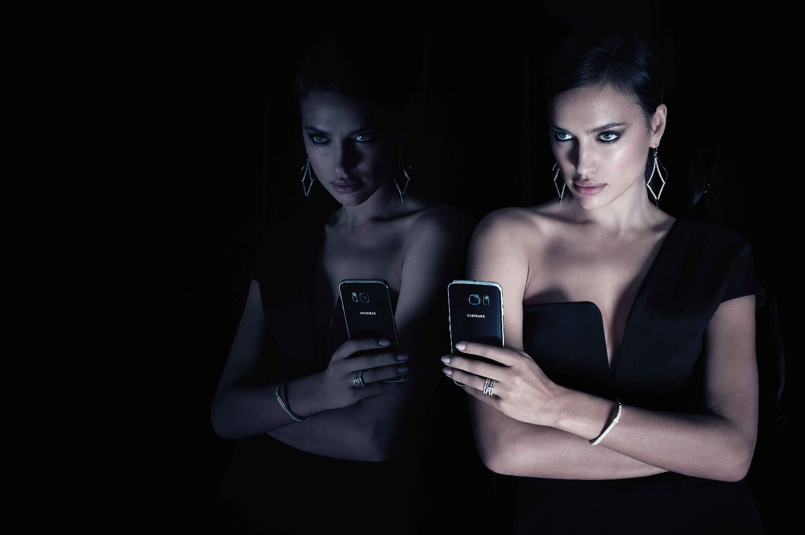 Samsung partners with Vogue and GQ to promote the Galaxy ...