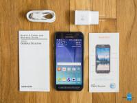 Samsung-Galaxy-S6-Active-Review018-box.jpg