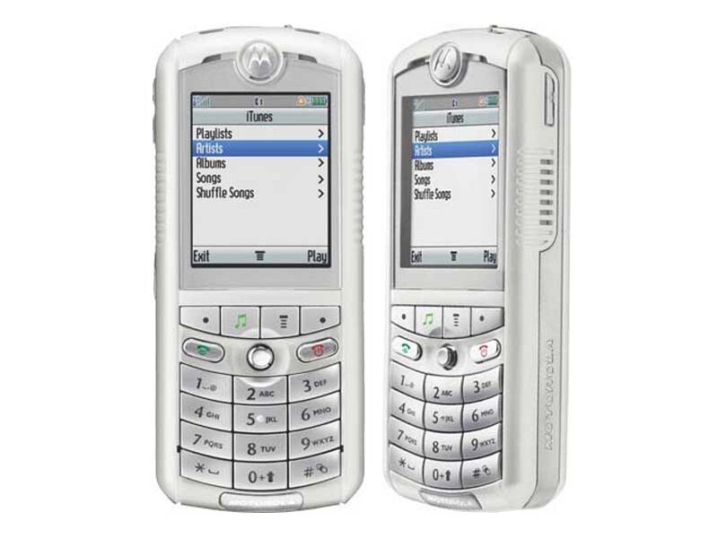 Motorola Rokr E1, the original Apple Phone - image from These were ...