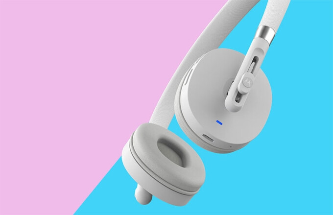The Motorola Moto Pulse wireless headphones - Motorola launches two new wireless headsets, the Moto Pulse and Moto Surround