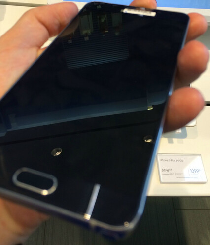 Latest pictures of the Samsung Galaxy Note 5 and the Samsung Galaxy S6 edge+