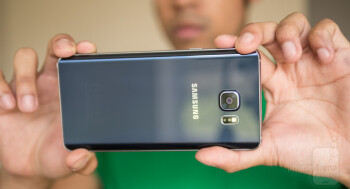Samsung's Note5 emerges victorious from our blind comparison, smacks the iPhone 6 Plus on the head