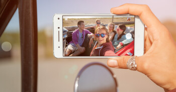 Lenovo Vibe S1 unveiled: first dual front camera for selfies with a twist