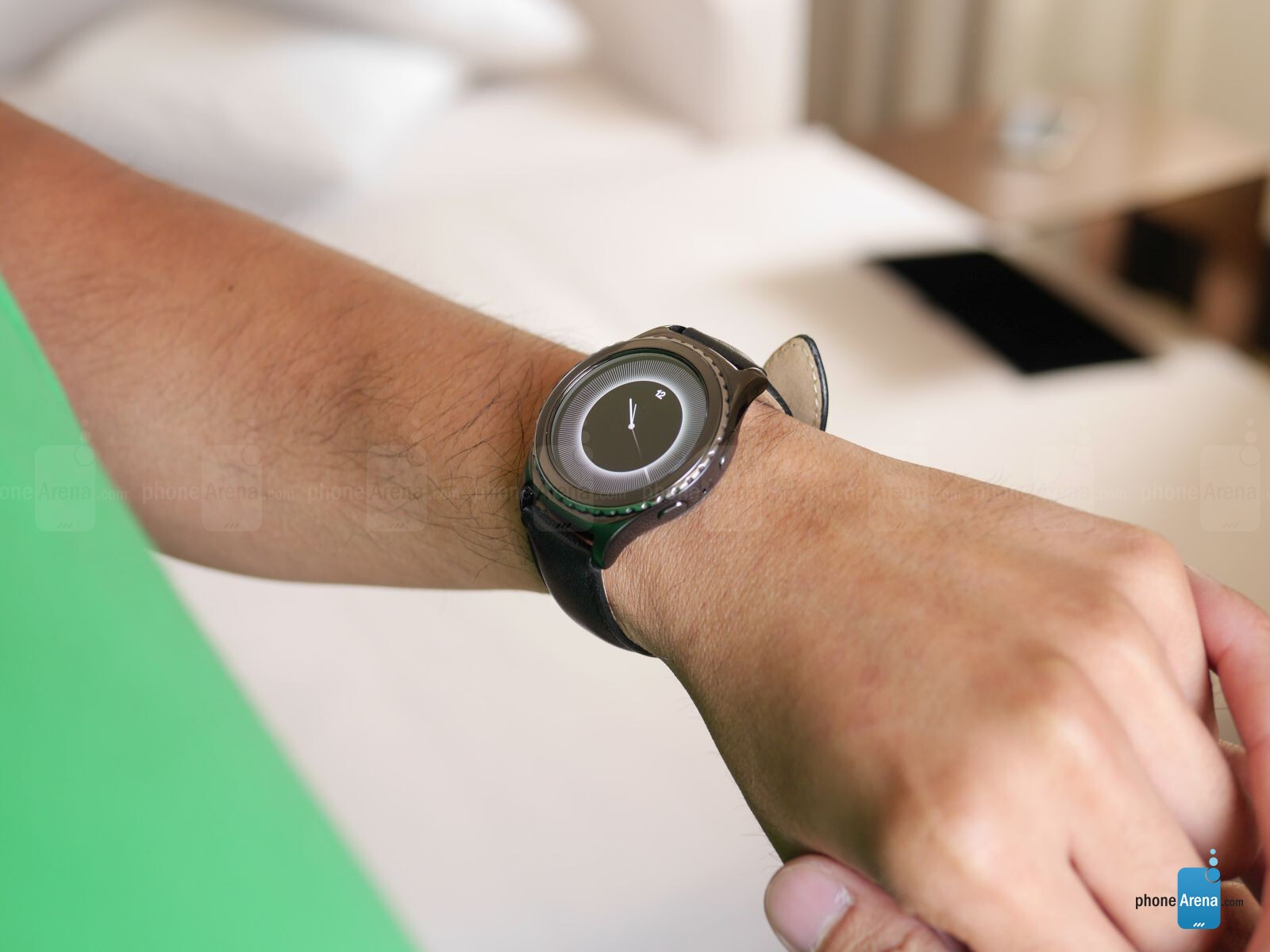 Samsung Gear S2 Classic hands-on   PhoneArena reviews
