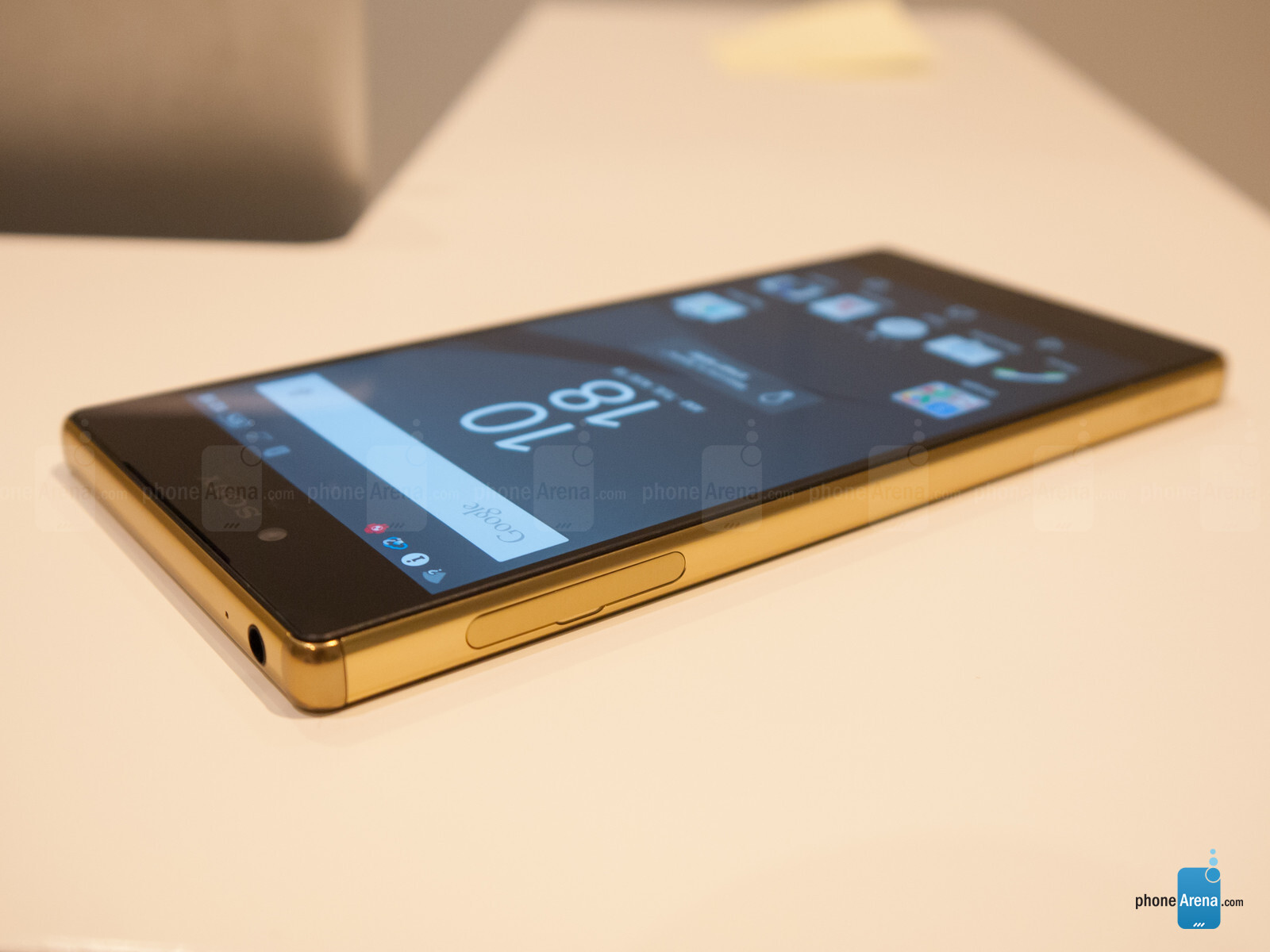 sony xperia z5 premium gold. on the other hand, z5 premium raises question whether a 4k screen smartphone is truly something we need or simply gimmick. sony xperia gold