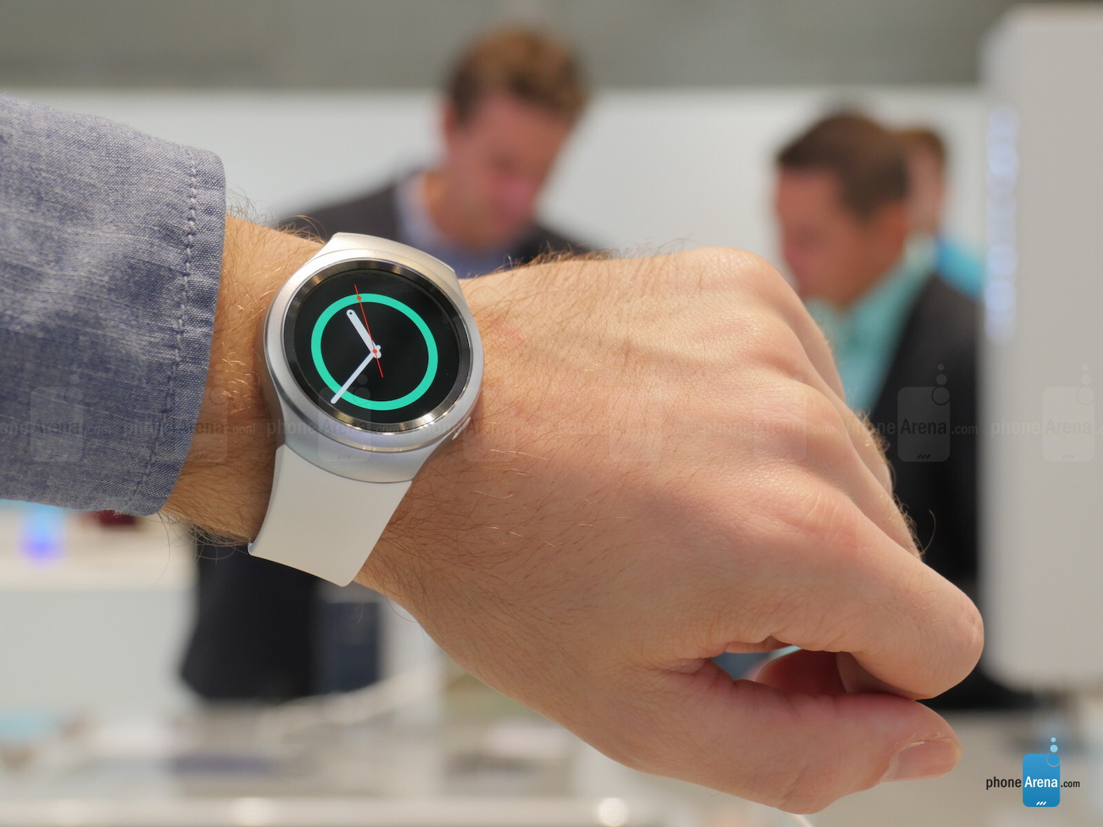 Samsung Gear S2 vs LG Watch Urbane: first look