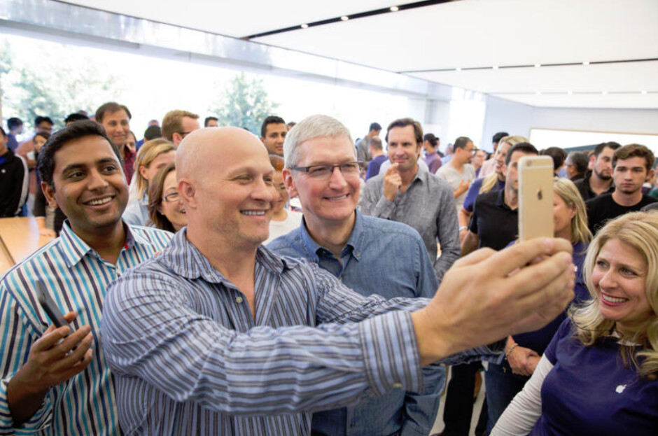 Tim Cook visits with employees at the Apple campus store, slated to reopen tomorrow - Apple's campus store reopens tomorrow, and yes, you can buy the new iPhones there