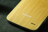 Wood-backs-available-for-the-Doogee-F3-Pro-with-3GB-of-RAM-3