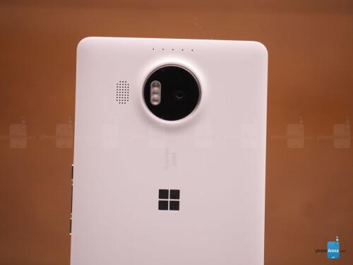 Microsoft Lumia 950 XL hands-on