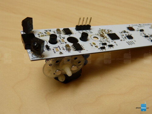 Kamigami Robot - Controlled and programmed by your smartphone
