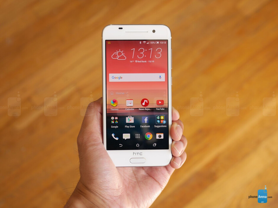 HTC Sense 7.0 running on top of Android 6.0 Marshmallow - HTC One A9 hands-on