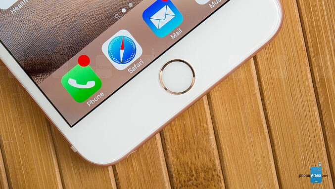 The physical home button of the iPhone 6s Plus - Analyst: there's a 50% chance for the Apple iPhone 7 to ditch the physical home button