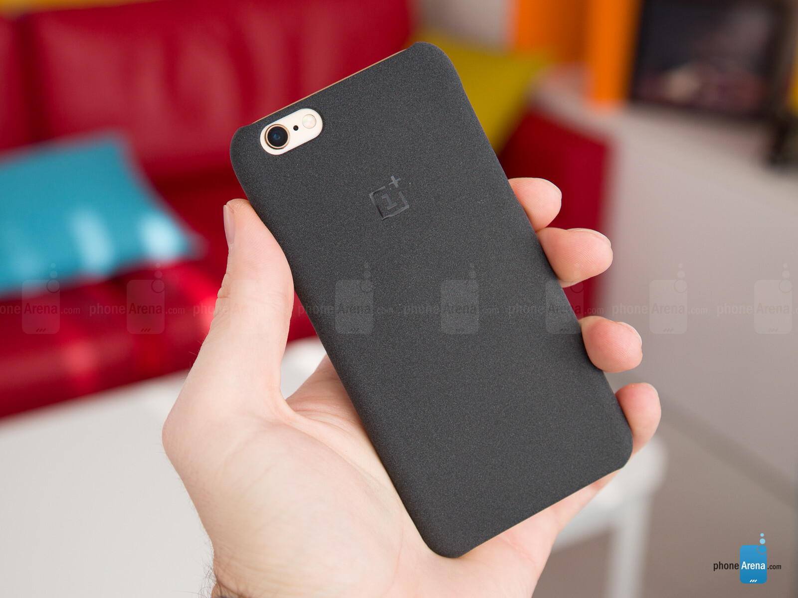 uk availability 7519b c849c Here's OnePlus' cheeky iPhone 6/6s case in the flesh (hands-on ...