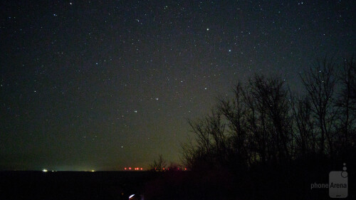 A view of the Big Dipper near the horizon. Photo shot at ISO2000 and 15 seconds exposure time