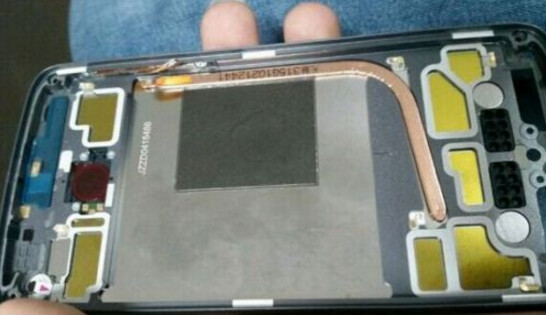 This picture allegedly shows a heat pipe inside a prototype of the fourth-generation Motorola Moto X - Leaked photo shows a prototype of the fourth-generation Motorola Moto X with a heat pipe inside