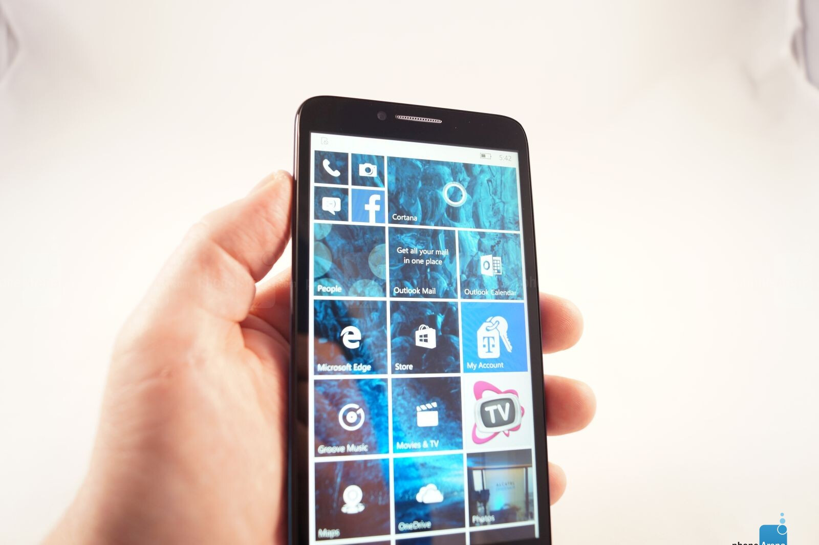alcatel onetouch fierce xl with windows 10 hands on