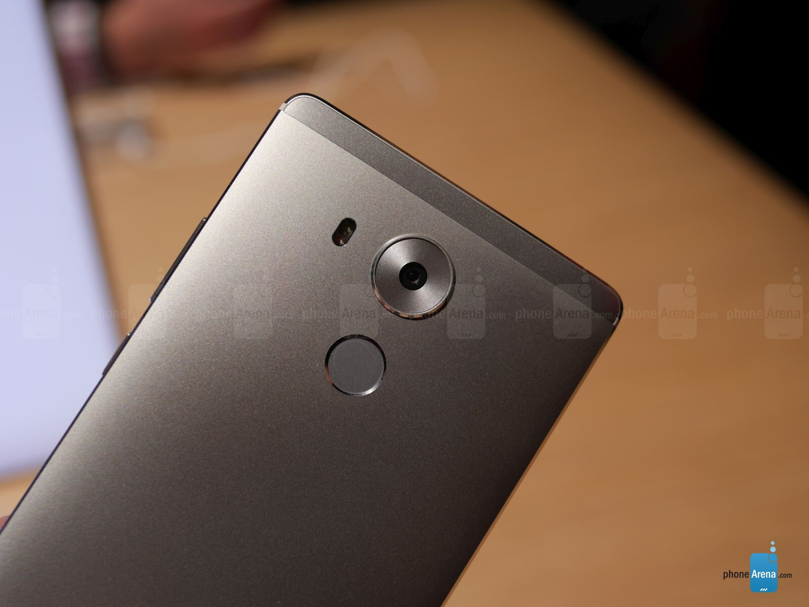 Huawei Mate 8 hands-on: a high-end phablet worthy of ...