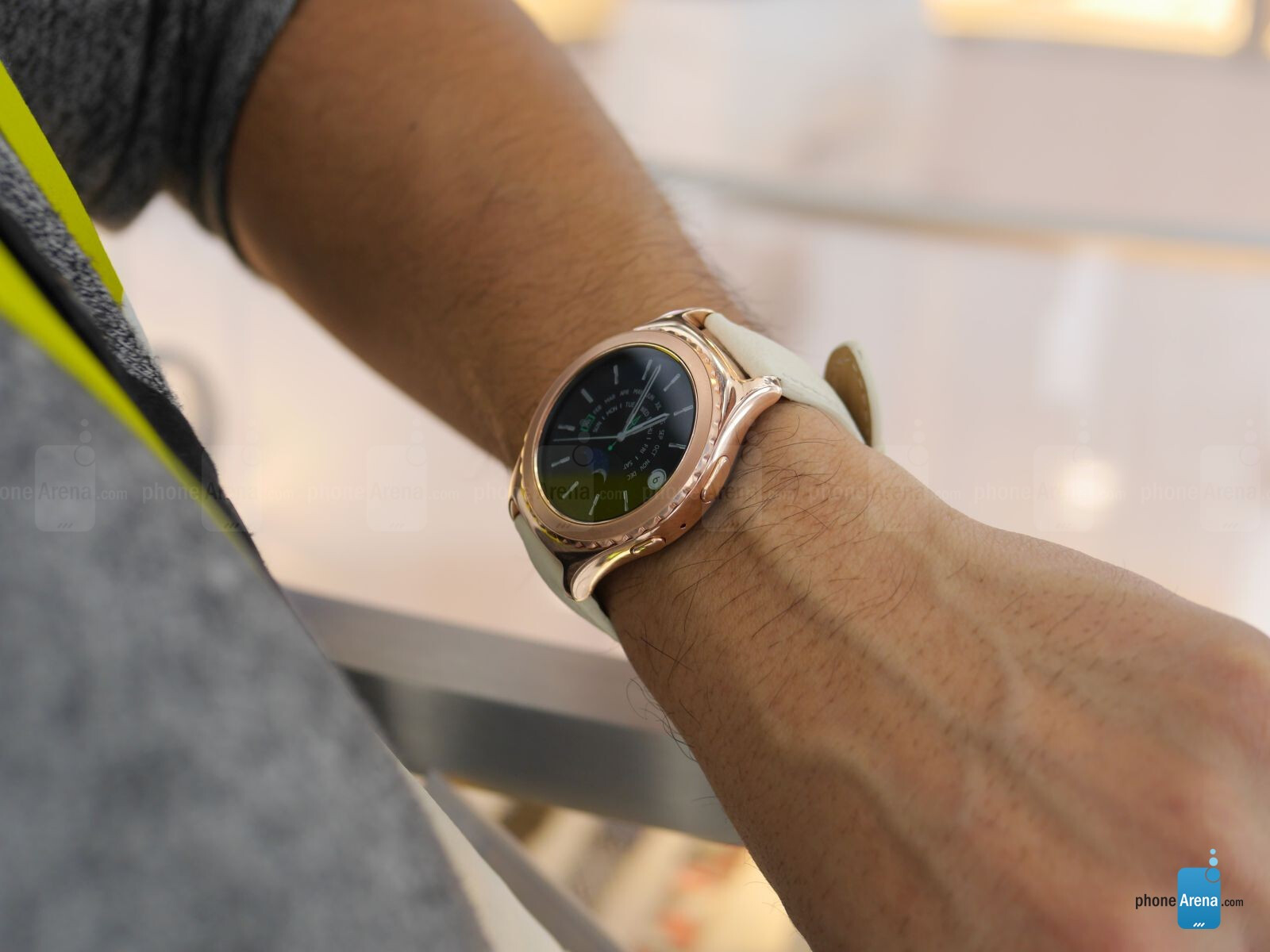 Samsung Gear S2 Classic Platinum and Rose Gold hands-on ...