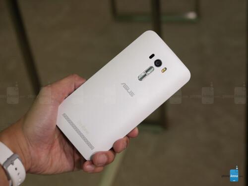 Asus Zenfone Selfie hands-on