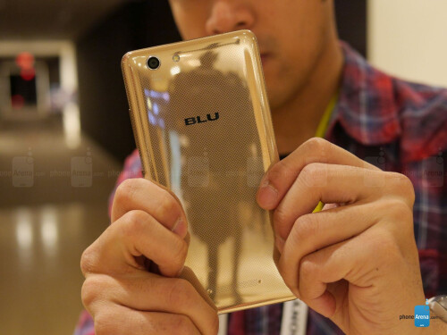 BLU Vivo XL hands-on