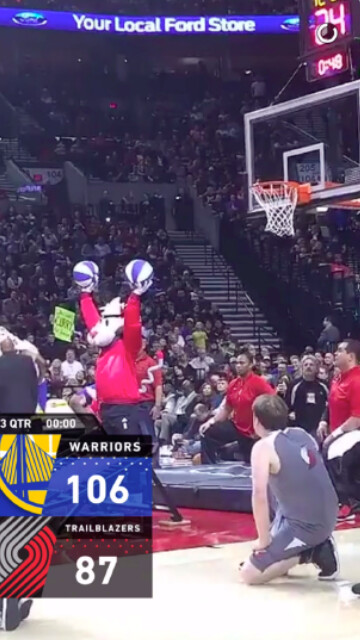 Screen shots of the Live Score geofilter used on Snapchat during NBA games