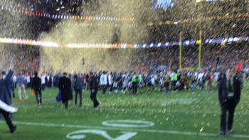 Tim Cook posted this blurry photo from his iPhone right after the Broncos win
