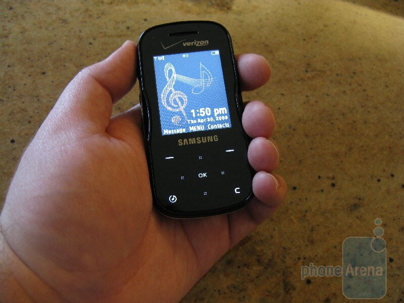 Hands-on preview of the Samsung Trance music phone