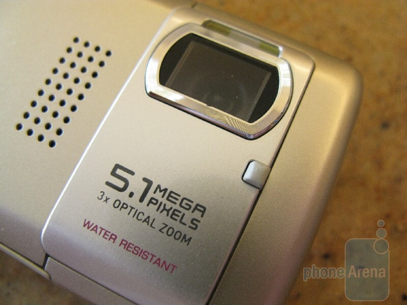 UPDATED Hands-on with a Casio Exilim C721 dummy phone