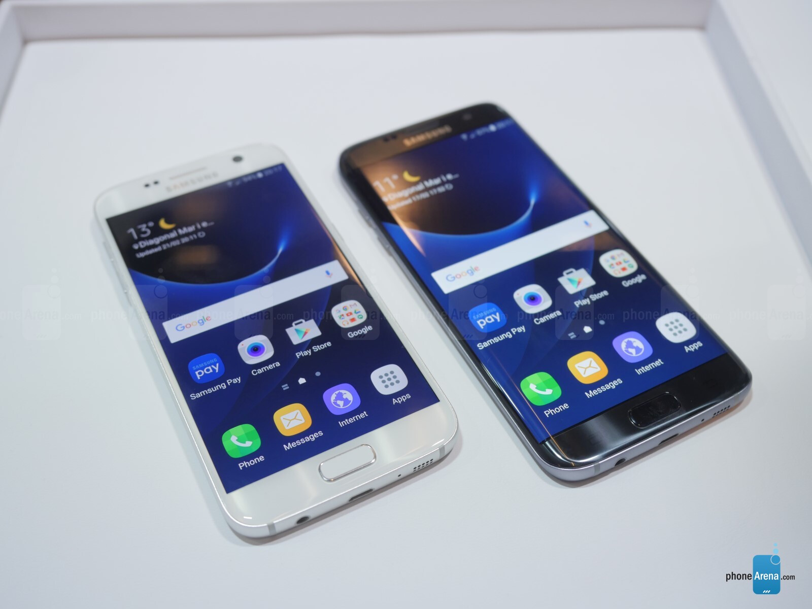 samsung galaxy s7 vs s7 edge first look phonearena reviews. Black Bedroom Furniture Sets. Home Design Ideas