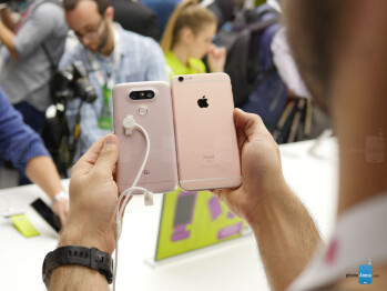 LG G5 vs Apple iPhone 6s Plus: first look