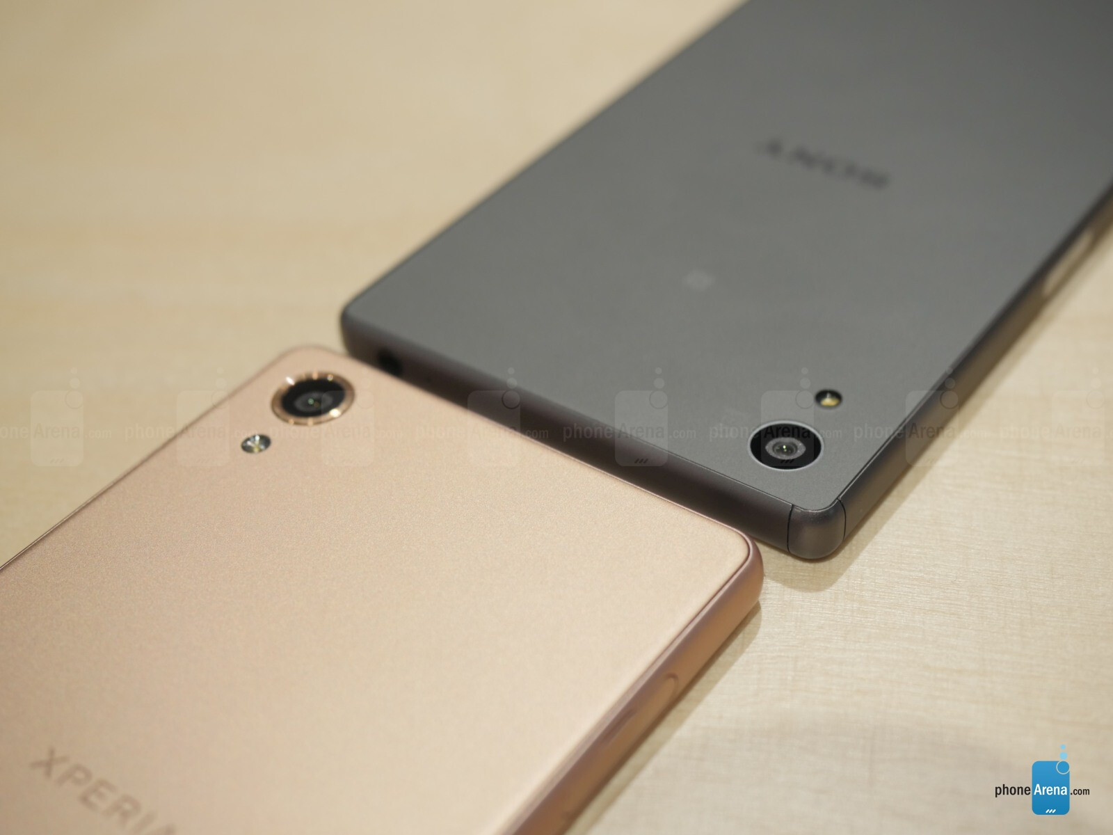 Sony Xperia X vs Xperia Z5: first look