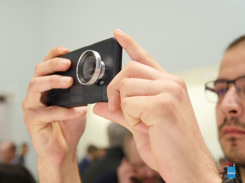 Camera Lens cover hands-on