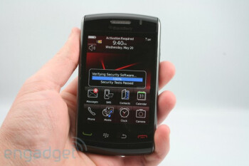 More pictures of BlackBerry Storm 2 - SurePress is sure gone