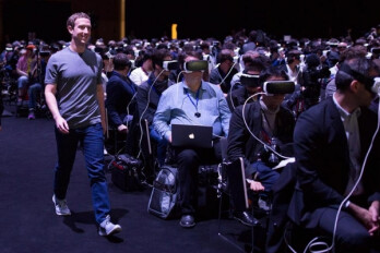 Mark Zuckerberg thinks virtual reality needs at least 10 years to take off like smartphones