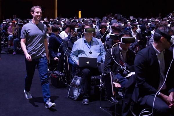 Mark Zuckerberg thinks virtual reality needs at least 10 years to take off like smartphones
