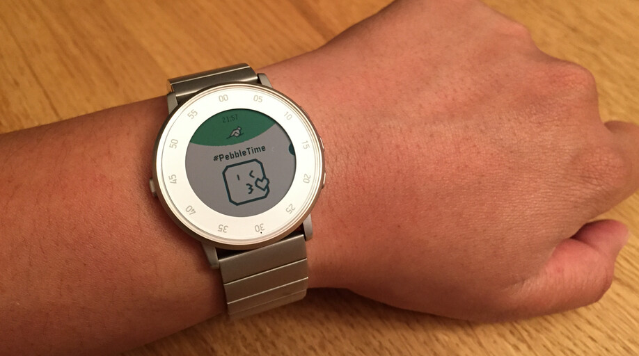 Pebble Time updates add jumbo-sized emoji and changes to