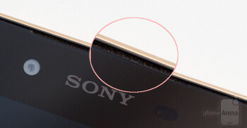 Just recently unboxed, the Xperia Z5 already had accumulated quite some visible dust.