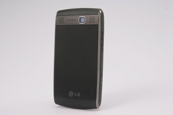 LG GW550 is a new WM-powered smartphone with QWERTY keyboard