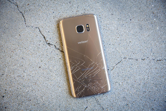 Galaxy S7 and S7 edge are very easy to crack when dropped on both sides (image courtesy of CNET) - Galaxy S7 edge screen replacement is $270, are you currently paying phone insurance?