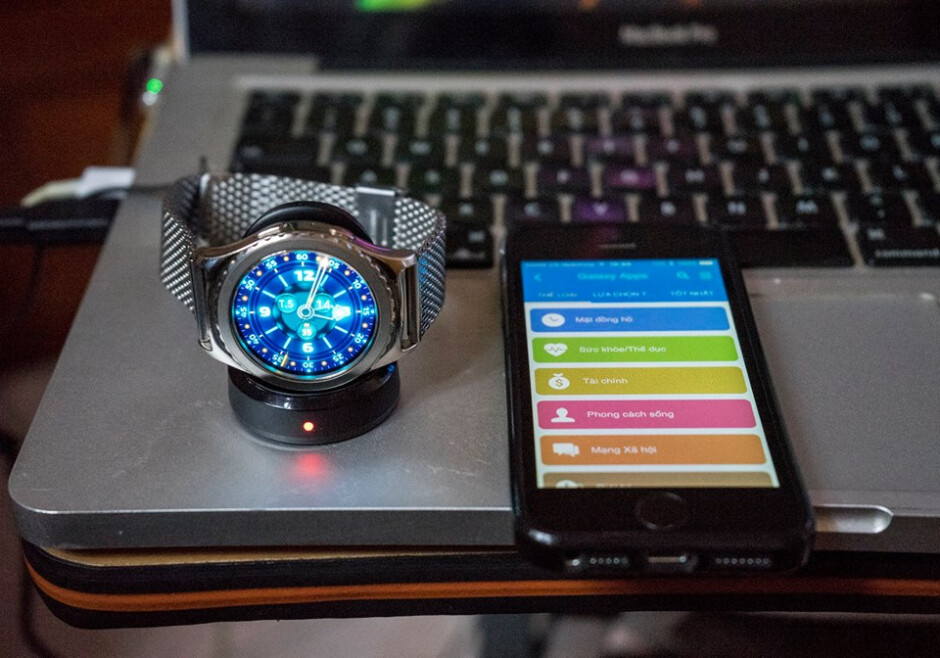 Samsung Gear S2 support for iPhone right around the corner: Gear Manager app for iOS leaked