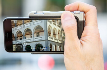 The Pictar turns your iPhone into a DSLR camera