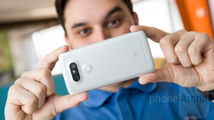 LG Mobile reports quarterly losses due to G5 marketing, expects sales growth