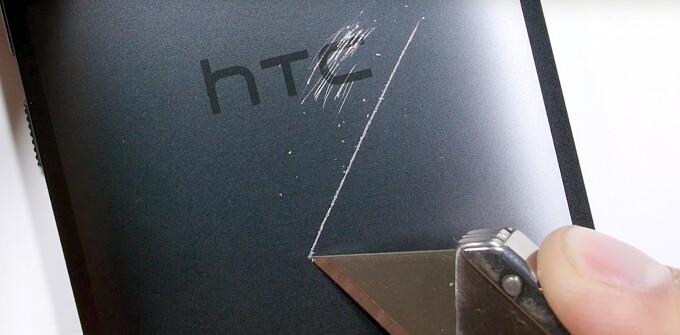 HTC 10 survives scratch, fire, and bend torture tests, proves the strength of its guts