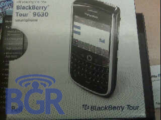 Dummy models of the BlackBerry Tour start to appear at Bell