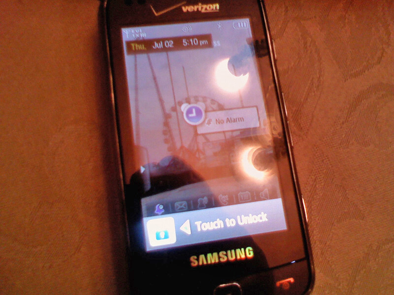 The Samsung Glyde 2 has a four-row QWERTY keyboard - Spy photos of the Samsung Glyde 2 for Verizon